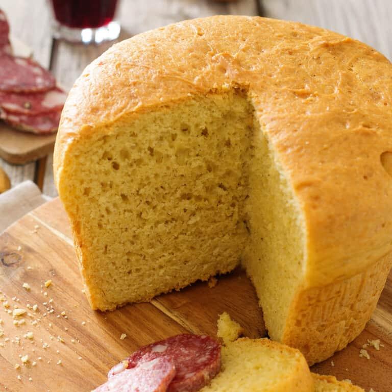 Crescia di Pasqua (Italian easter cheese bread)