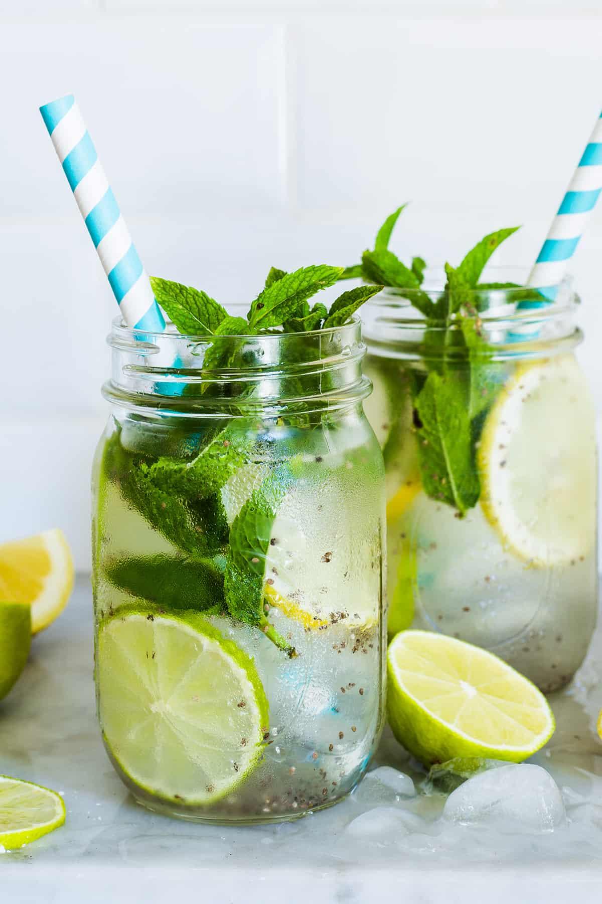 chia drink - Agua de chía con limón
