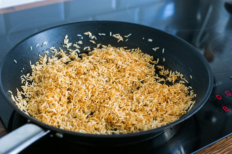 friggendo il riso rosso alla messicana