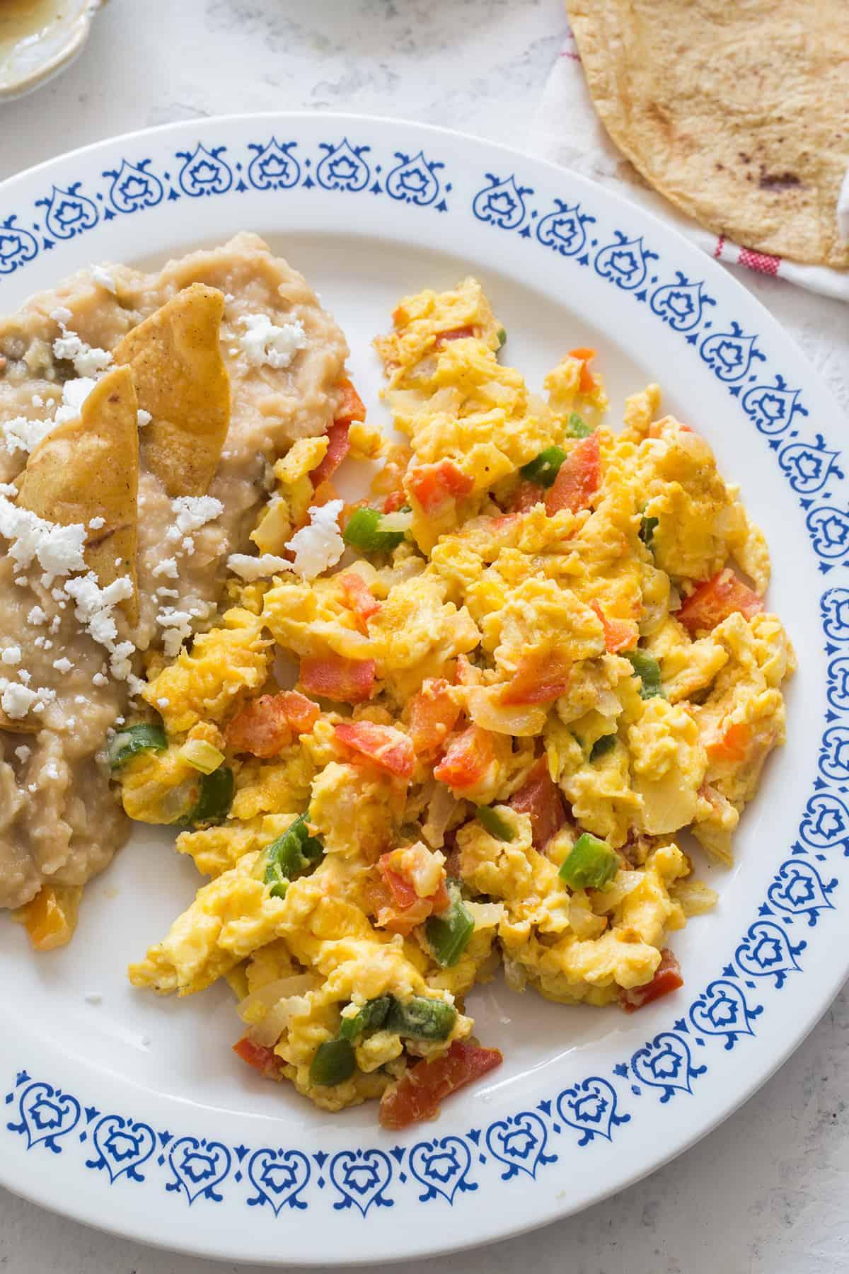Mexican style eggs - huevos a la mexicana