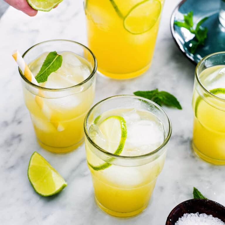Agua de Piña (pineapple water fresca)