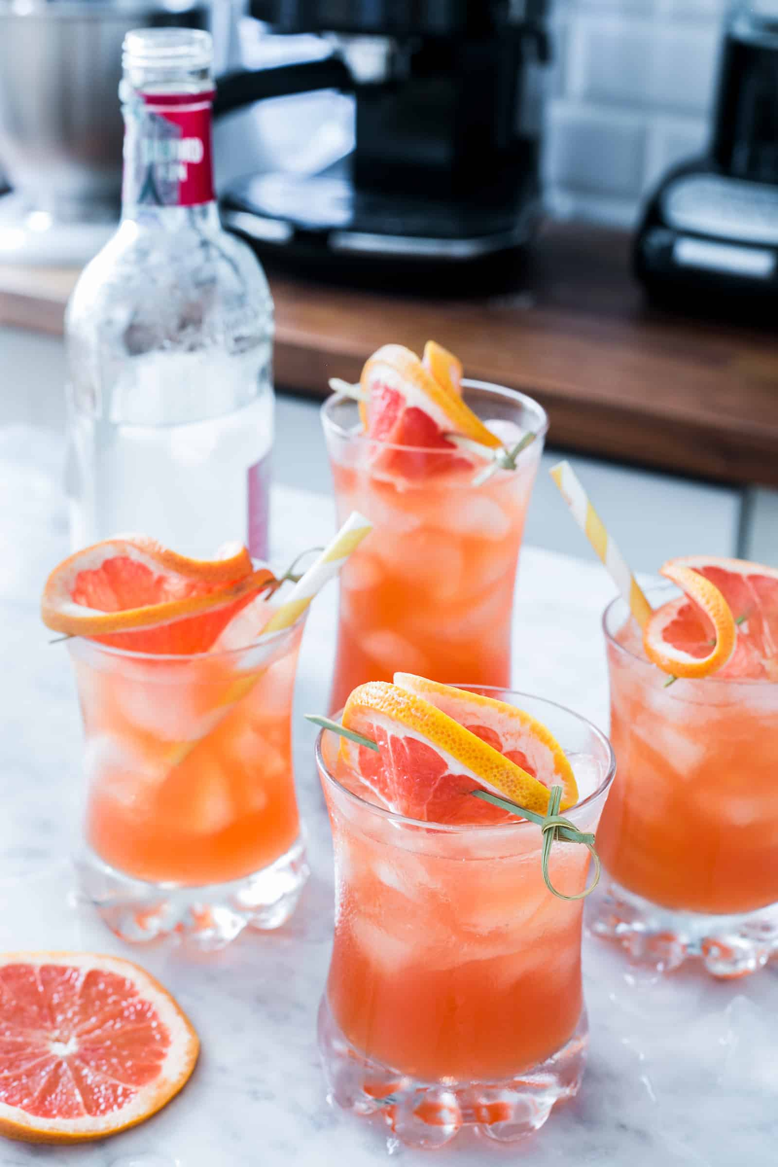Grapefruit vodka (greyhound cocktail)