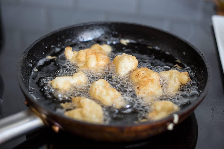 frittura del cavolfiore per i tacos vegetariani