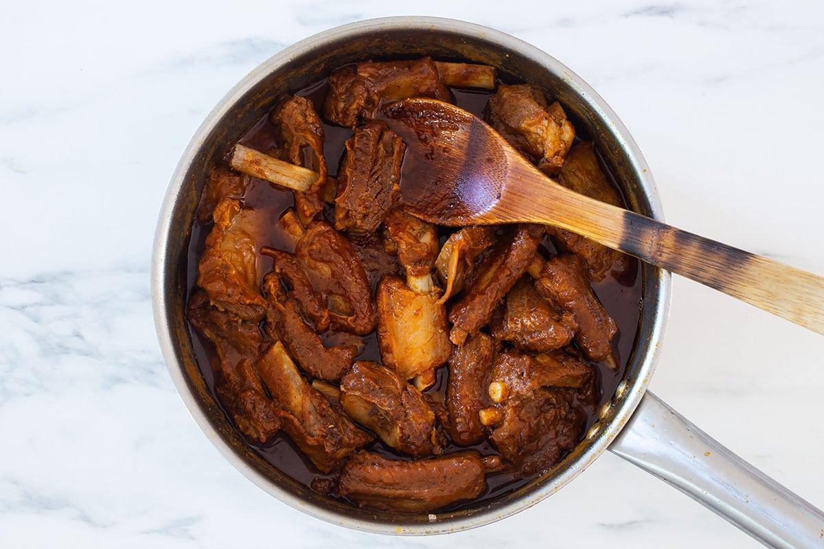 Adobo de puerco ready on the pan.