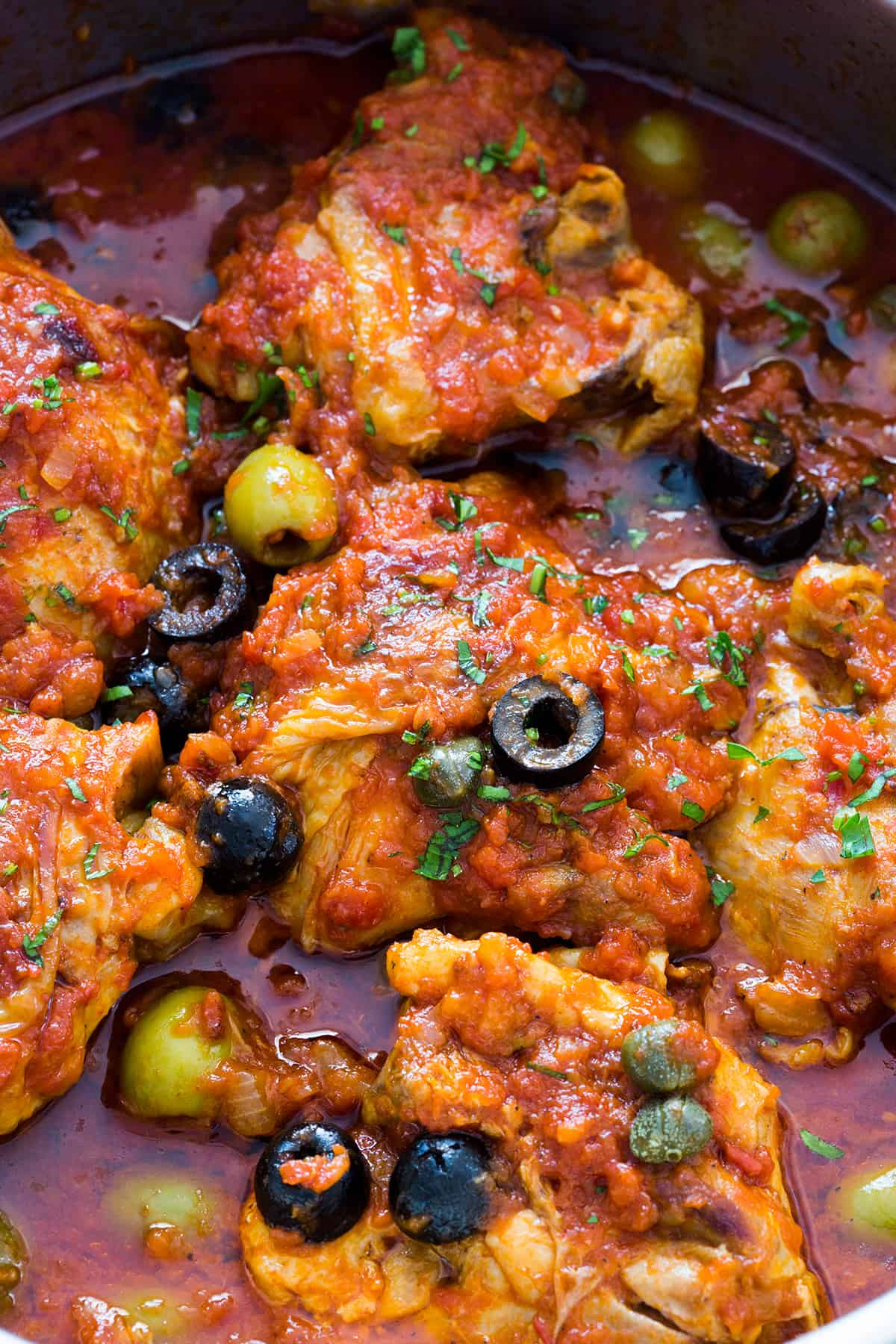 Puttanesca chicken | Juicy and tender