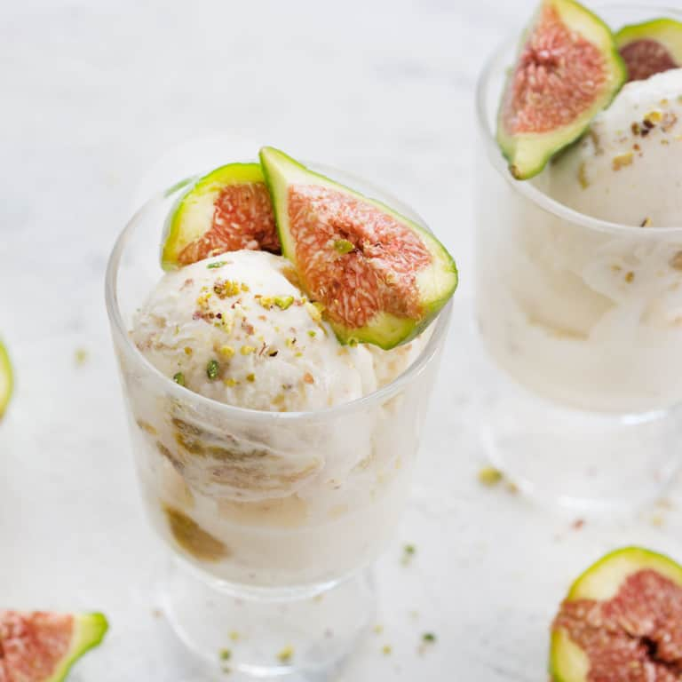 Mascarpone ice cream with figs