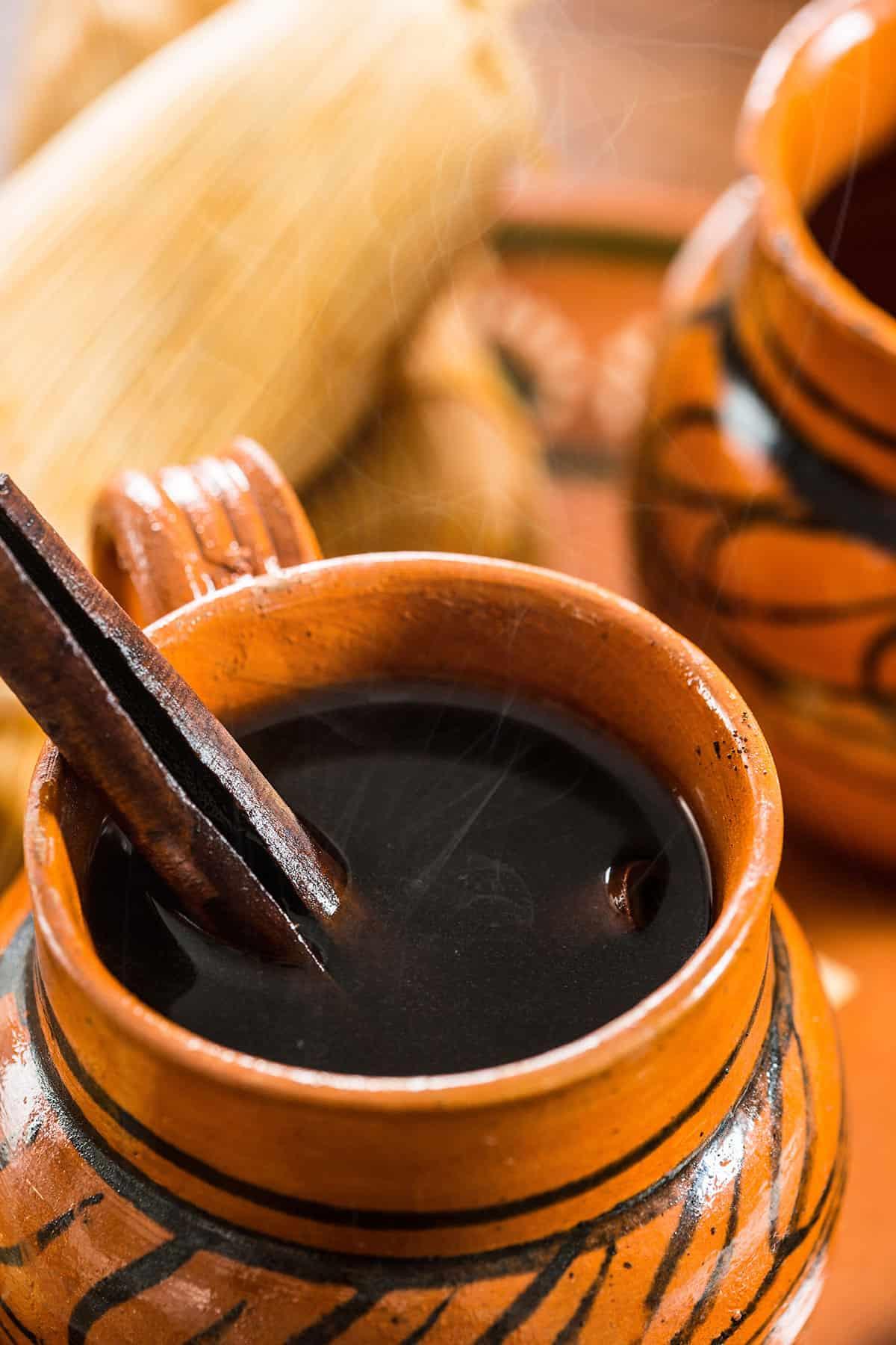 A closeup on café de olla.