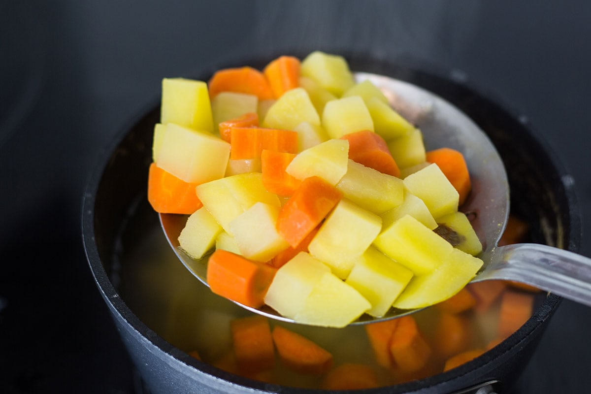 Potatoes and carrots boiled.
