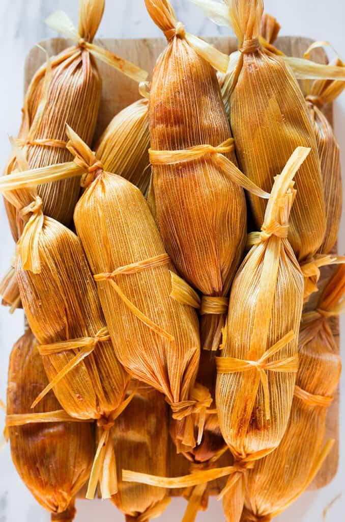 Tamales impilati.