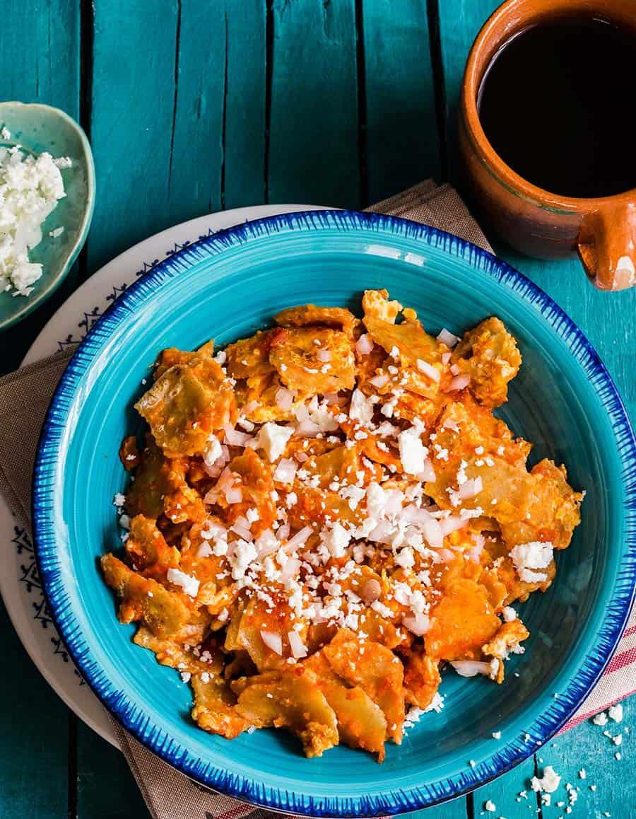 Mexican migas con huevo.