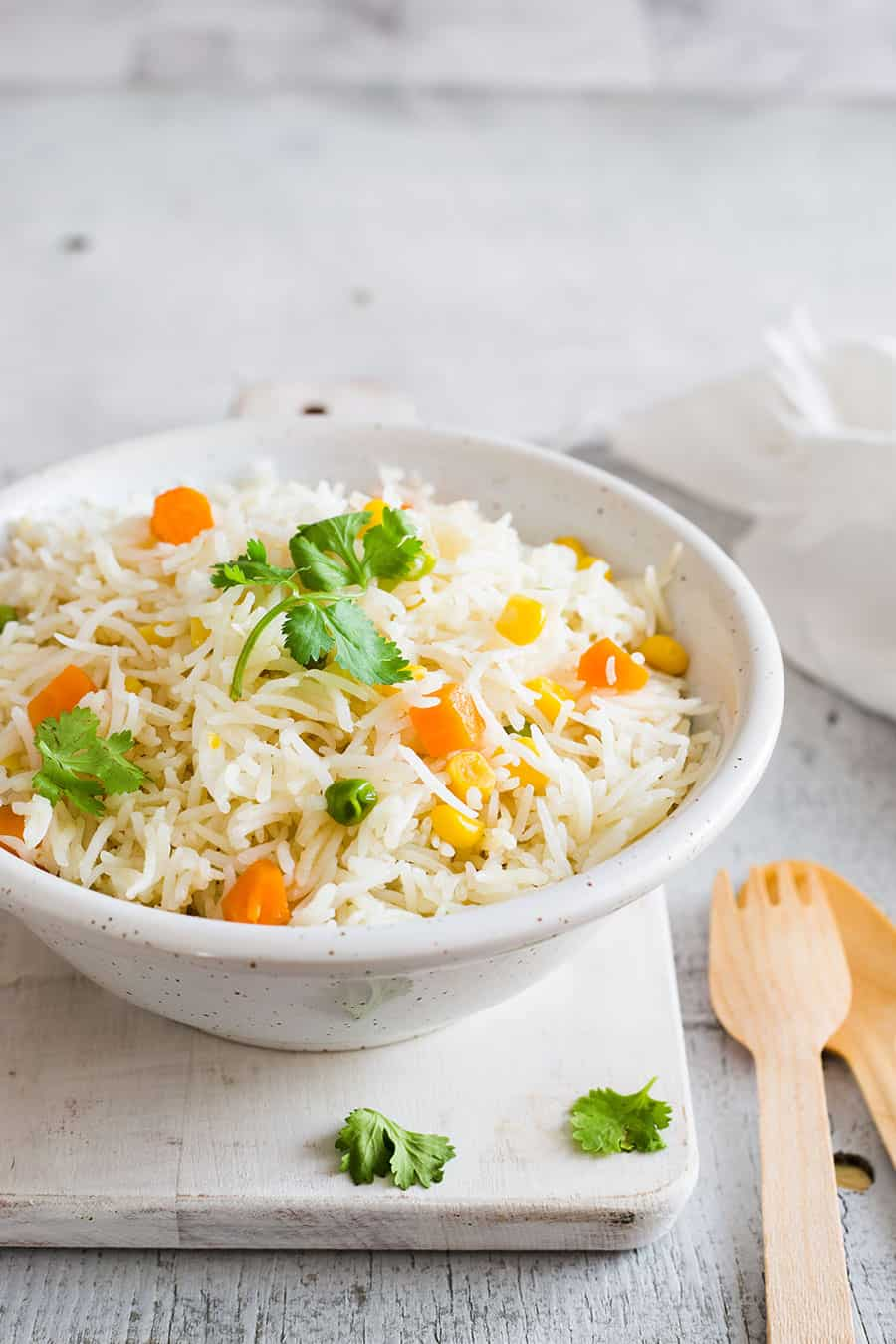 Mexican white rice on a bowl.