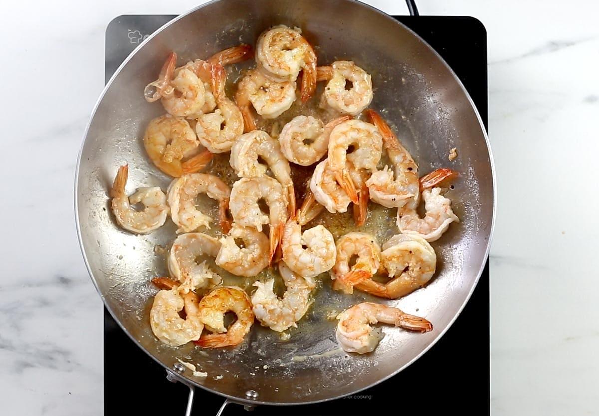 Sautéed shrimps on the pan.
