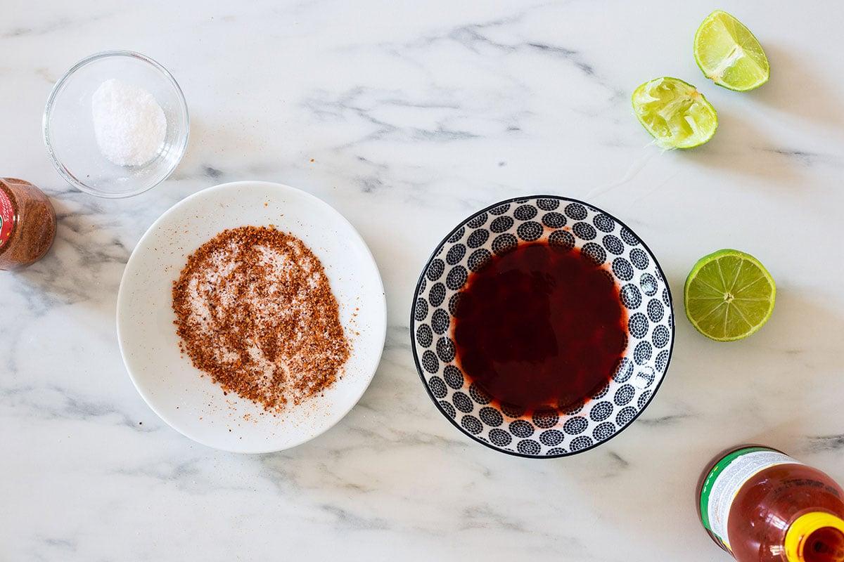 Seasonings for mug rims.