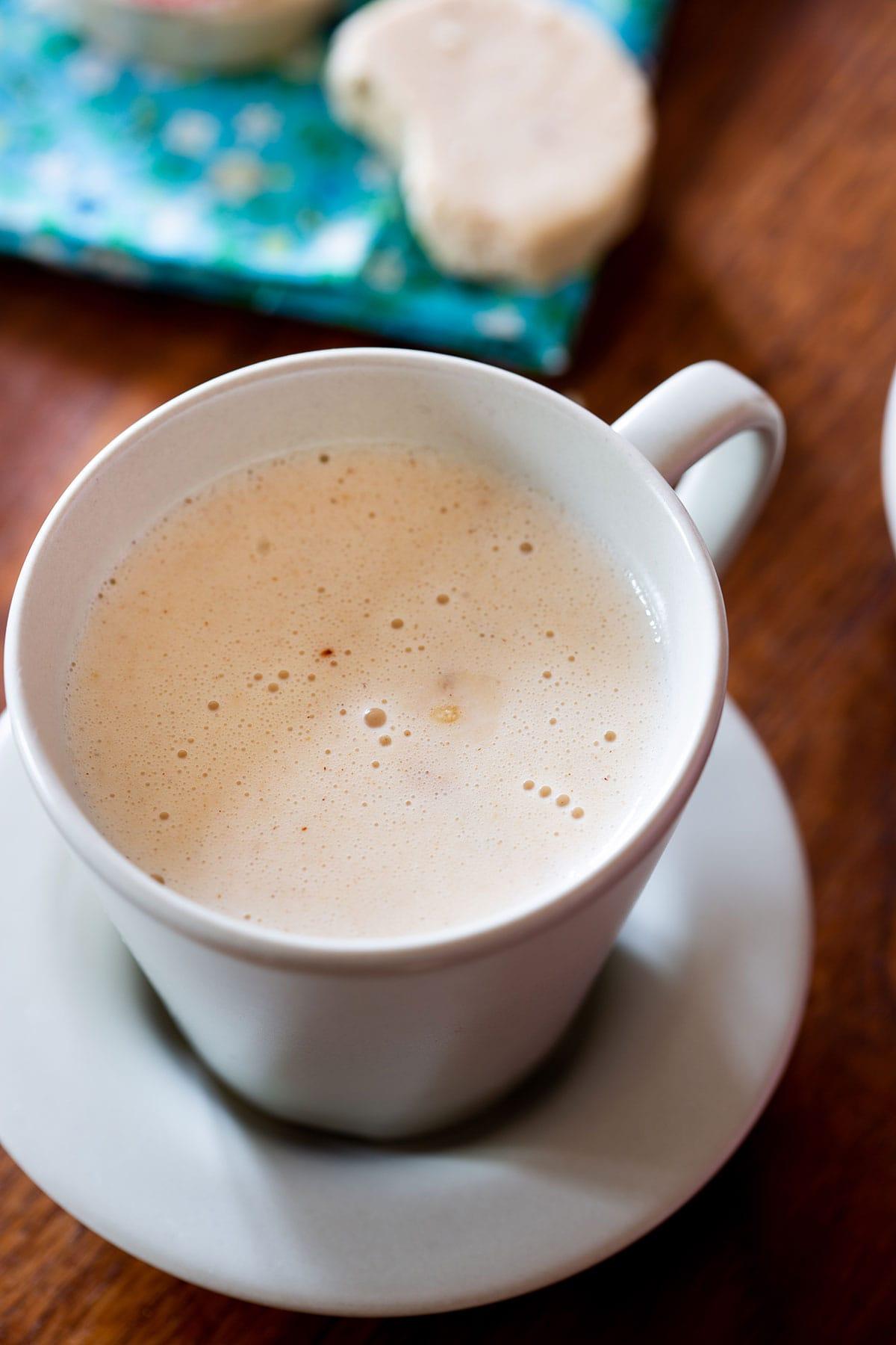 Atole de mazapan in a cup.