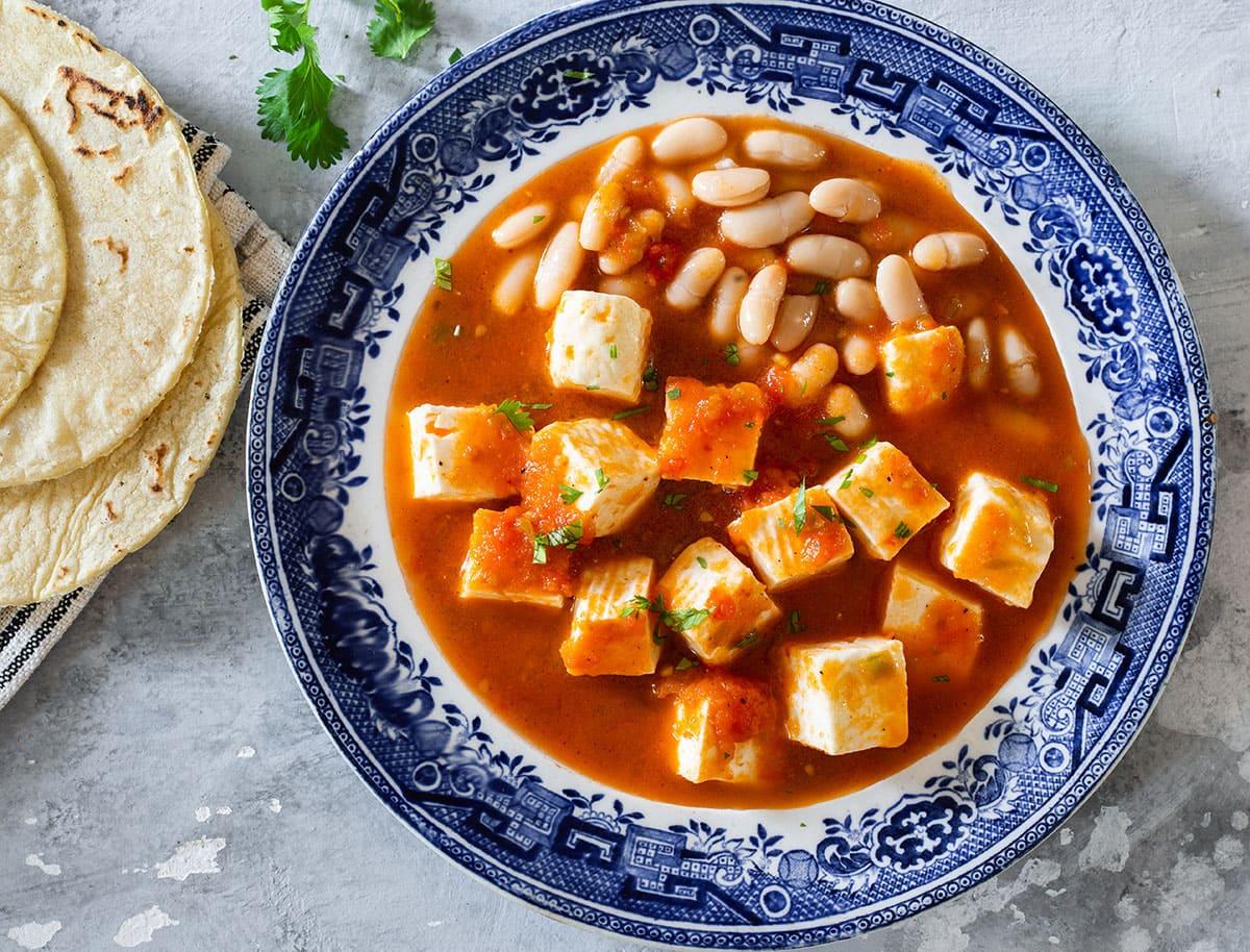 Queso con chile served with de la olla beans.