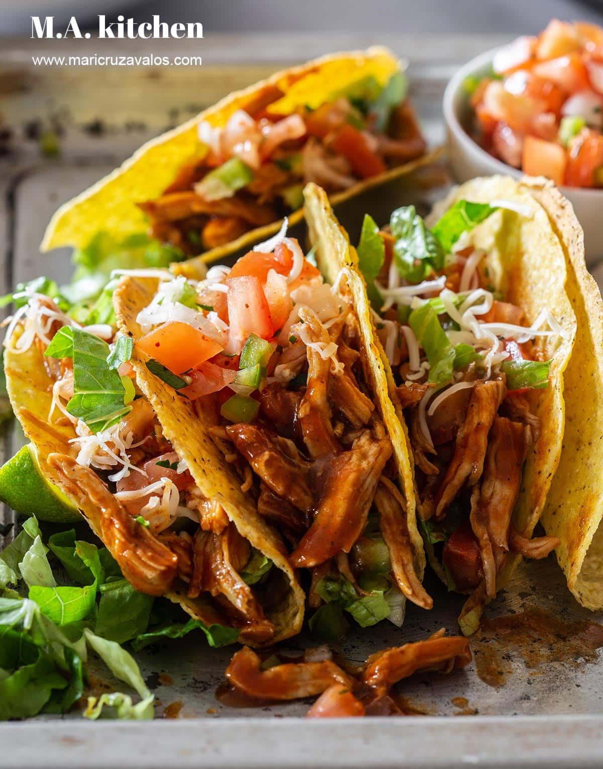 A closeup to the bbq chicken tacos.