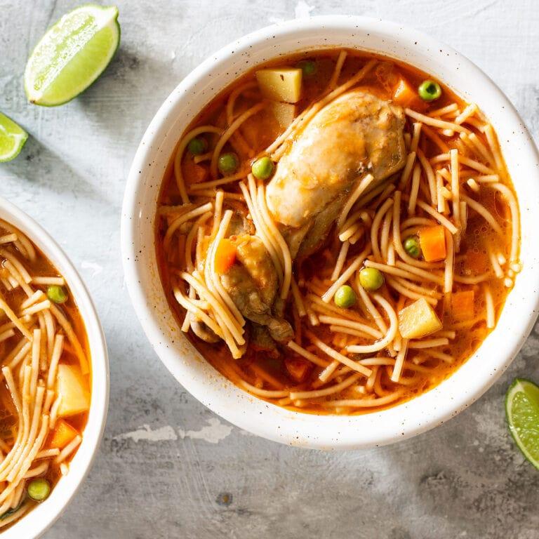 Chicken Fideo (sopa de pollo con fideo)